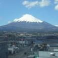 新幹線車中からの富士山1