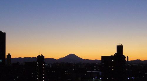 Ario川口から見る夕暮れの富士