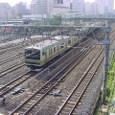 川口駅ポイントを渡る電車